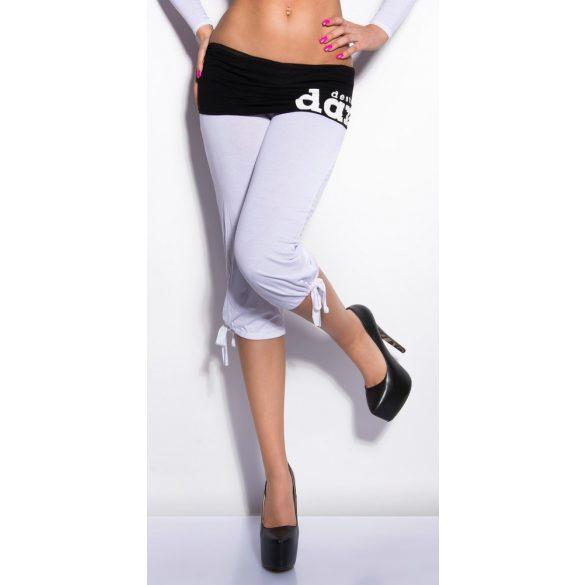 Divatos fehér capri nadrág