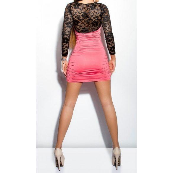 Csipkés ujjú testhezálló ruha