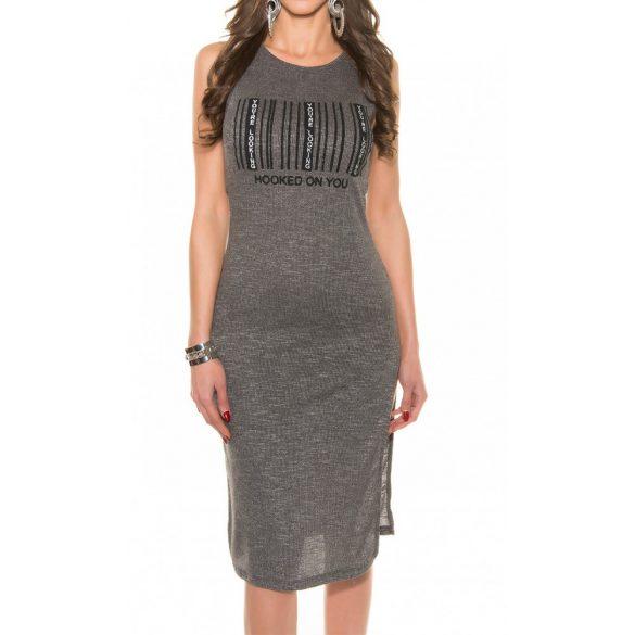 Feliratos ruha
