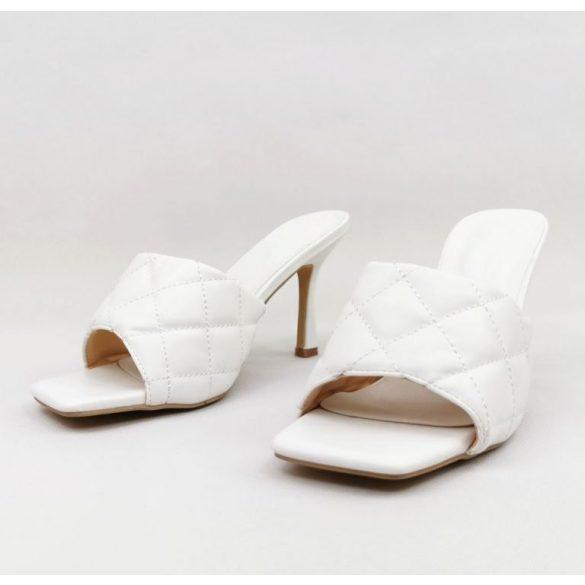 Fehér magassarkú papucs